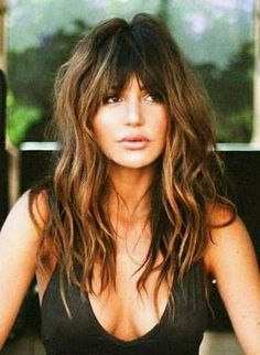 Perfect-Hairstyles-for-Different-Face-Shapes | Heart Face Shape Hairstyles Long Face Hairstyles, Bang Hairstyles, Long Layered Hair, Layered Hairstyle, Hair Locks, Wavy Hair, Finger Wave Hair, Hair Color For Women, Beehive Hair