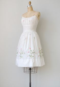 vintage 1950s white cotton sundress [Featherweight Rosehips Dress ...