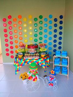 To create a nice party table - Do it yourself 2nd Birthday Party Themes, Carnival Themed Party, Circus Birthday, Circus Party, Birthday Diy, Birthday Parties, Rainbow Decorations, Diy Party Decorations, Birthday Decorations