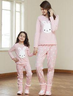 Catherine's 1316 Kids Cotton Pajamas Set will make you redefine comfort when you wear this cozy and stylish set. Cute Pajamas, Girls Pajamas, Pajamas Women, Pajama Day, Pajama Outfits, Sleepwear Sets, Lingerie Sleepwear, Womens Pyjama Sets, Diy Clothing