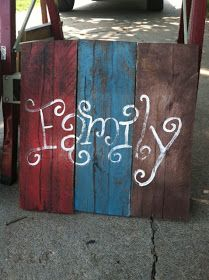 Here are a few other things that I've made outta pallet wood.                       Perfect for anywhere in your home!                I tho...