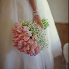 simple wedding bouquets | Simple and pretty