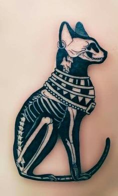 I am so in love with this tattoo, makes me consider it as the next inking