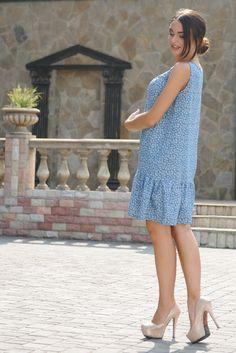 """Платье """"Джесс-Джинс"""" принт цветы - Платья - Магазин женской одежды «Ри Мари» Short Sleeve Dresses, Dresses With Sleeves, Fashion, Moda, Sleeve Dresses, Fashion Styles, Gowns With Sleeves, Fashion Illustrations"""