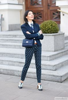 How to wear patterned pants to work - Minimalissmo. The fashion blog.