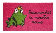 Felpudo Bienvenidos a nuestro reino. Un felpudo original y muy colorido perfecto para regalar. Con diseño de Anna Llenas, y lo tenemos en Decocuit, regalos y decoración en Burgos y también en www.decocuit.com.