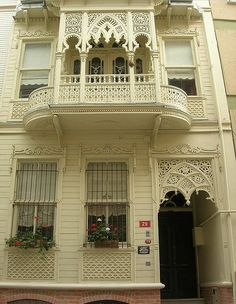 A 100 years old mansion in Moda - Istanbul