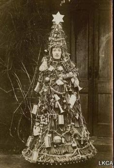 Christmas tree costume, Victorian era (via)
