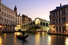 Rialto Bridge (Venice) #monogramsvacation