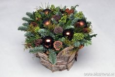 Kerststuk Maken Liesveld   Biss Floral   Bloemen, Workshops en Arrangementen   Kerststuk Maken Liesveld Bloemschikken Creatieve Workshop Nobilis Kerstmis November December