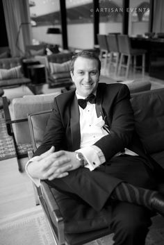 Happy groom in the Travelle Lounge, at The Langham, Chicago.