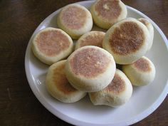 english muffin, the best breakfast Best Breakfast, Muffin, Sandwiches, Food And Drink, Low Carb, Peach, Baking, Fruit, Cake