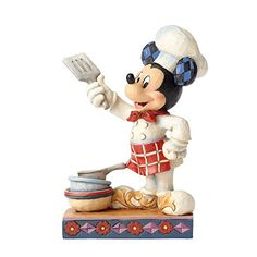 Disney Traditions collectible figurines designed by Jim Shore combines the magic of Disney with traditional motifs of handmade folk art. Jim Shore creates new interpretations of classic from Mickey Mouse to Frozen. Hades Disney, Mickey Mouse Figurines, Disney Figurines, Disney Statues, Collectible Figurines, Mickey Y Minnie, Disney Mickey, Walt Disney, Minnie Mouse