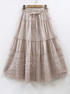 Such tiny ruffles! Mori Girl, Vintage 1950s Dresses, Vintage Outfits, Diy Fashion, Fashion Dresses, Fashion Tips, Blouse And Skirt, Dress Pants, Dress Tutorials