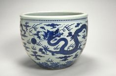 Fish bowl, Ming dynasty (1368-1644), probably reign of the Jiajing emperor (1522-1566), China, Jingdezhen, Jiangxi province. Porcelain with blue and white glaze. H. 20 1/2 in x Diam. 24 3/4 in. The Avery Brundage Collection, B61P19. © 2016 Asian Art Museum Chong-Moon Lee Center for Asian Art and Culture.