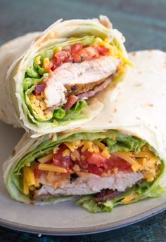 This Spicy Chicken Bacon Ranch Wrap is the perfect quick and easy meal packed with flavor! Grilled Chicken Wraps, Chicken Bacon Ranch Wrap, Chicken Wrap Recipes, Bacon Wrapped Chicken, Turkey Wrap Recipes, Buffalo Chicken, Easy Healthy Meal Prep, Best Meal Prep, Healthy Wraps