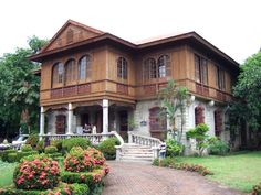 Balay Negrenese Museum Gaston Ancestral Home, Silay, Phillipines Filipino Architecture, Philippine Architecture, Colonial Architecture, Landscape Architecture, Filipino House, Regions Of The Philippines, Bali, Philippine Houses, Tropical Interior