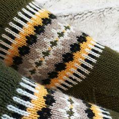 Ravelry: By the fireplace pattern by Jaana Talvitie Knitting Socks, Mittens, Ravelry, Knit Crochet, Winter Hats, Cozy, Blanket, Pattern, Crocheting