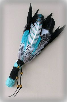 Smudge Feather Fan Smudge Fan Ceremony Native American (lmao why tho Etsy? Feather Painting, Feather Art, Native American Crafts, Native American Indians, Dream Catcher Native American, Medicine Wheel, Indian Crafts, Nativity Crafts, Feather Crafts