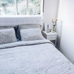 A cabeceira faz toda diferença na composição do quarto né? Nossa cabeceira deixando o @apartamento602 mais charmoso! Amamos!