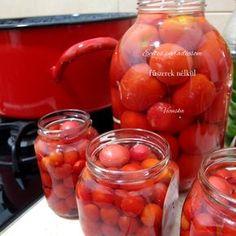 Ecetes paradicsom. Az interneten találtam múlt évben (2015-ben), egy tartósító mentes, egyszerű ecetes paradicsom receptet, amit kipróbáltam. Aki eddig ... Ketchup, Pickles, Paleo, Food And Drink, Cooking Recipes, Stuffed Peppers, Meat, Vegetables, Drinks