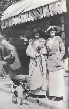 Coco Chanel's boutique in Deauville 1910. The article is in French but it doesn't matter. You can't go wrong with Chanel!