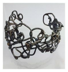 Vesterhavs armbånd med bronzekugler Crown, Jewelry, Design, Corona, Jewlery, Bijoux, Schmuck, Jewerly, Jewels