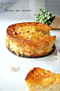 Gâteau aux pommes - Rappelle toi des mets - The Best Dishes French Desserts, Köstliche Desserts, Dessert Recipes, Apple Recipes, Fall Recipes, Nutella Fudge, Salty Cake, Food Cakes, Savoury Cake