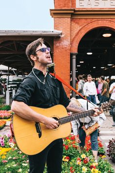 Performers from Detroit's small busking community face an unclear city ordinance — and some friendly competition.