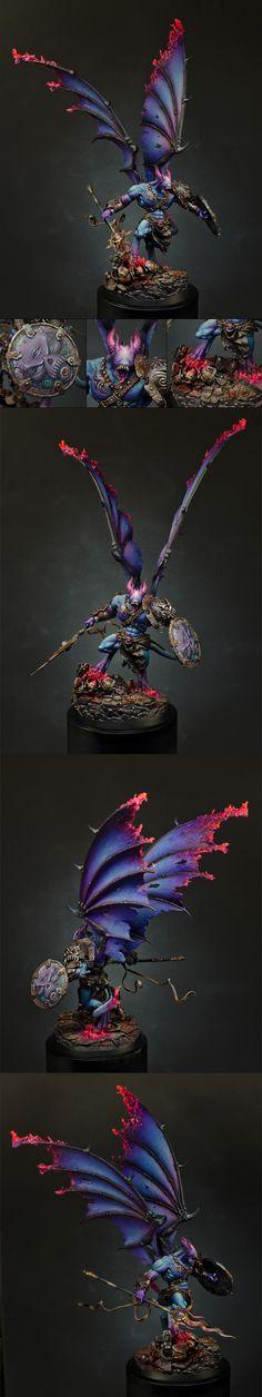Warhammer 40k, Spectacular custom Chaos Deamon Prince of Tzeentch, clearly a powerful Sorcerer