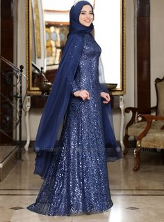 The perfect addition to any Muslimah outfit, shop Al-Marah's stylish Muslim fashion Navy Blue - Multi - Fully Lined - Crew neck - Muslim Evening Dress. Stylish Dress Designs, Stylish Dresses, Elegant Dresses, Dress Brokat Muslim, Muslim Dress, Navy Dress Outfits, Modest Outfits, Modest Clothing, Muslim Evening Dresses