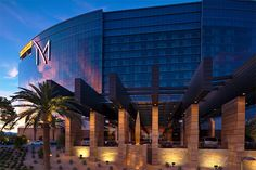 Women travel solo in luxury M Resort and Spa, Las Vegas USA Best Hotels In Vegas, Las Vegas Resorts, Hotels And Resorts, Las Vegas Usa, Las Vegas Trip, Vegas Vacation, Vacation Spots, Las Vegas Travel Guide, Hotel Finder