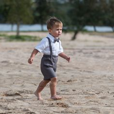 Ring bearer outfit Baby boy linen suspenders suit Boy first birthday suit baptism shorts with suspenders Rustic wedding boy formal suit gray