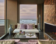 Fronting the Atlantic Ocean, the new intimately scaled Four Seasons Casablanca offers a resort style hotel, blending textured sand-coloured contemporary […] Oriental Hotel, Pastel Sky, Lobby Lounge, Restaurant Lighting, Floor To Ceiling Windows, Light Architecture, London Hotels, Four Seasons Hotel, Travel