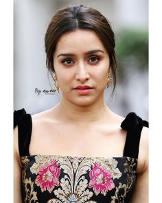 For see more of fitness life images visit us on our website ! Most Beautiful Bollywood Actress, Bollywood Actress Hot Photos, Indian Bollywood Actress, Bollywood Girls, Bollywood Celebrities, Bollywood Fashion, Indian Actresses, Bollywood Heroine, Shraddha Kapoor Saree
