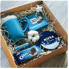 With Christmas coming, are you ready for Christmas gifts for family and friends? Have you considered a personalized Christmas gift box? There are many Christmas gifts to choose from, but your DIY Christmas gifts must be full of heart. Diy Gift Baskets, Christmas Gift Baskets, Christmas Gifts For Friends, Christmas Boxes, Winter Christmas, Ideas For Christmas Presents, Coffee Gift Baskets, Christmas Presents For Boyfriend, Handmade Christmas Gifts
