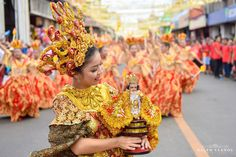Check the amazing photos of Cebuano photographer, Ralph Llanos, on his take at the Sinulog Festival Grand Parade His photos will make you homesick. Sinulog Festival, Cool Photos, Amazing Photos, Cebu, Filipino, Photography Photos, Parade 2016, Festival 2016, Celebrities