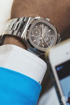 watchanish: Patek Philippe Nautilus Ref 5990/1.Read the full article on WatchAnish.com.