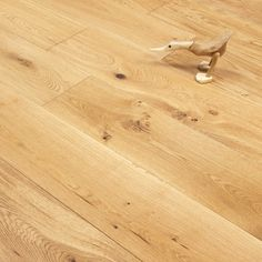 Gold Series Engineered Oak Flooring - 18/4 x 190mm Brushed and Lacquered. From only £28.49 per m2!