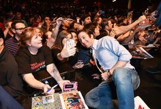 'The Big Bang Theory' PaleyFest Panel Simon Helberg took some time with fans after the panel