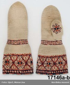 Estimated time of production Probably used as bride's mittens. It is possible this kind of mittens were bought in Norway. Length 36 cm, width (at cuff) 17 cm. Knit Mittens, Mitten Gloves, Swedish Embroidery, Viking Knit, Textiles Techniques, Fabric Yarn, Folk Fashion, Textile Fabrics, Royal Dresses