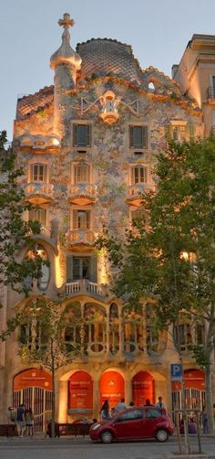 Casa Batlló, Barcelona, Spain - another beautiful Gaudi creation Places Around The World, Oh The Places You'll Go, Travel Around The World, Places To Travel, Places To Visit, Around The Worlds, Travel Destinations, Wonderful Places, Beautiful Places