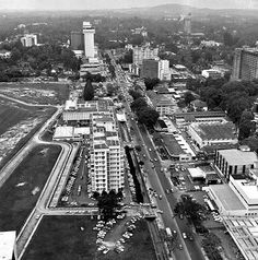 VIEW FROM THE 37TH STOREY OF THE MANDARIN HOTEL IN ORCHARD ROAD, SINGAPORE, 1970. THE LIBYAN Esther Kofod www.estherkofod.com