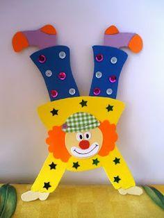 Decorazioni per la festa di Carnevale headphone photoraphy – Headphone Clown Crafts, Carnival Crafts, Carnival Themes, Circus Birthday, Circus Theme, Circus Party, Birthday Cards, Diy And Crafts, Crafts For Kids