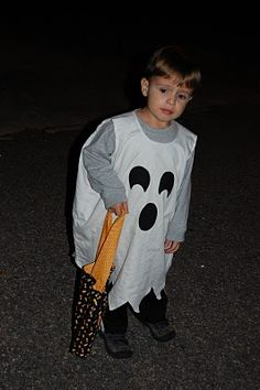 DIY pillowcase ghost costume. I have to make this at my sons request! he wants to be a ghost for Halloween this year.