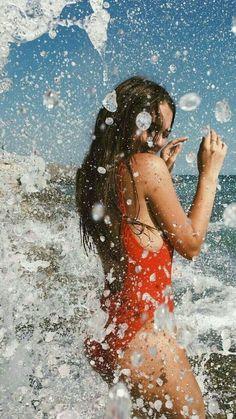 Gorgoeus teen big boobed mum in professional photoshoot in bikini swimwear at the beach. Shotting Photo, Beach Poses, Summer Poses Beach, Poses On The Beach, Fun Poses, Instagram Pose, Instagram Summer, Pics For Instagram, Instagram Photo Ideas