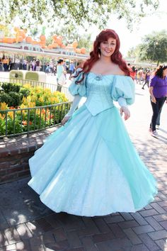 Ariel's new look. I met this actress last time I was there and loved her. She nicely blended being Ariel and also being relatable and realistic; not too stiff Disneyland Princess, Disney Princess Fashion, Disney Princess Dresses, Disney Dresses, Ariel Disney World, Disney Live, Disney Magic, Disney Girls, Disney Stuff