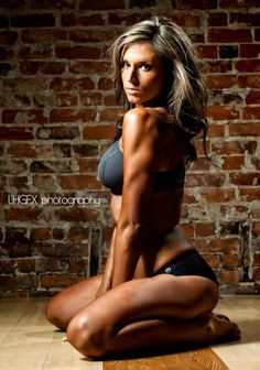 Fitness Model Caitlyn Bellamy Talks With TheAthleticBuild.com