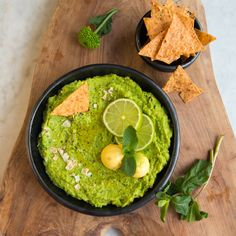 We sure love Avocado in our house, there is hardly a day we don't eat it. In salads, on toast, as Guacamole or just pure. And another thing we really love are Dips. So to change the dipping game a bit, I made a Green Pea, Mint and Avocao Dip the other day and it...Continue Reading