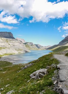Gemmipass Hike - Leukerbad to Kandersteg Car Station, Gravel Path, Wanderland, Green Valley, Picnic Area, Best Hikes, Round Trip, Public Transport, The Good Place